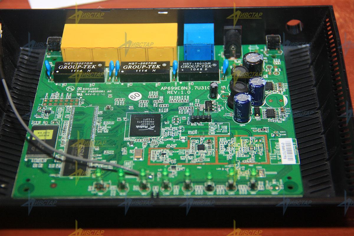 Коммутатор D-Link DGS-3420-26SC/B1A Управляемый стекируемый коммутатор 3 уровня с 20 портами 100/1000Base-X SFP 4 комбо-портами 100/1000Base-T/SFP и
